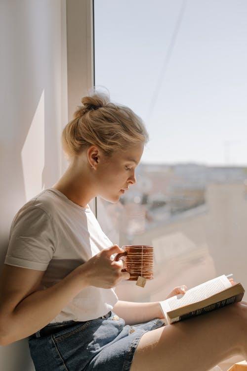 žena kniha