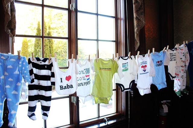 oblečení pro miminka, šňůra na prádlo