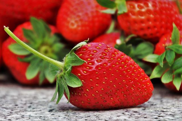 natrhané jahody