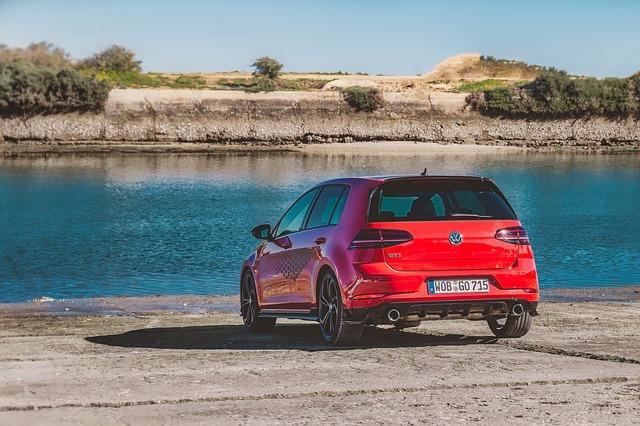 VW Golf u moře